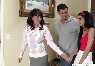 Mature sexteachers threesome with tiny teenHD