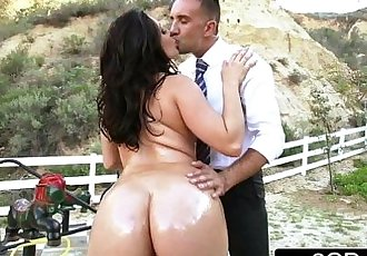 Big Ass School-Girl Gracie Glam Gives Straner a Nice Sloppy Deepthroat BlowjobHD