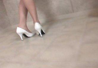 Japanese teen squirts - 9 min HD