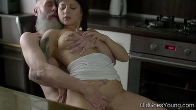 Old Goes YoungSexy brunette Gerra and her manHD+