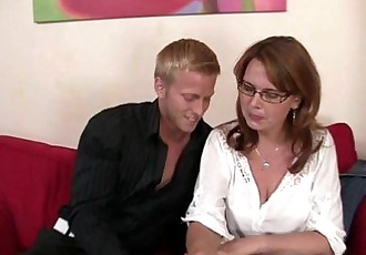 Busty mature bitch is picked up and fucked - 6 min