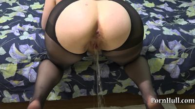 Girl with an extremely hairy pussy, urinates in the style of a dog. HD