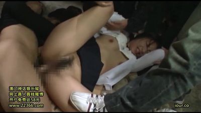 Abuse a Japanese girl (full video in comments)