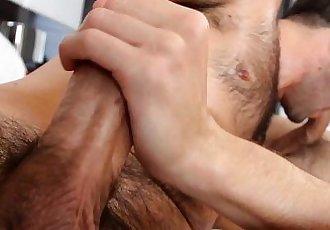 ManRoyaleOil massage & fuck makes hairy twink cumHD