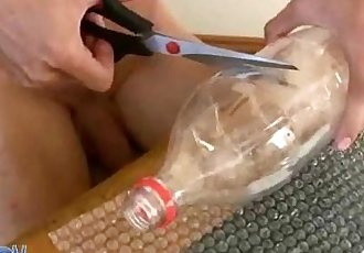 Do-it-yourself masturbator helps a twink to unload