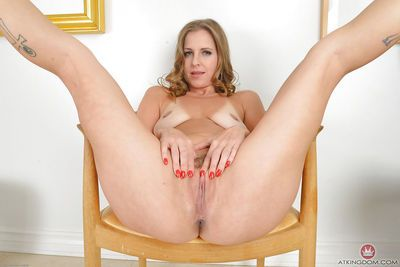 Blonde mom Miss Melrose bends right over and expose anus and twat - part 2