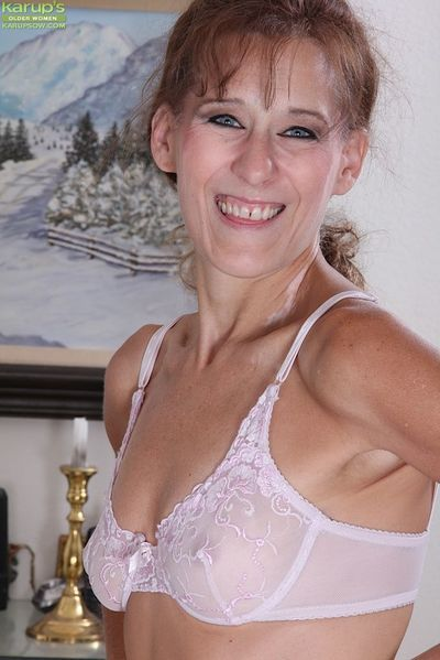Over 50 model Alley showing off erect nipples while masturbating