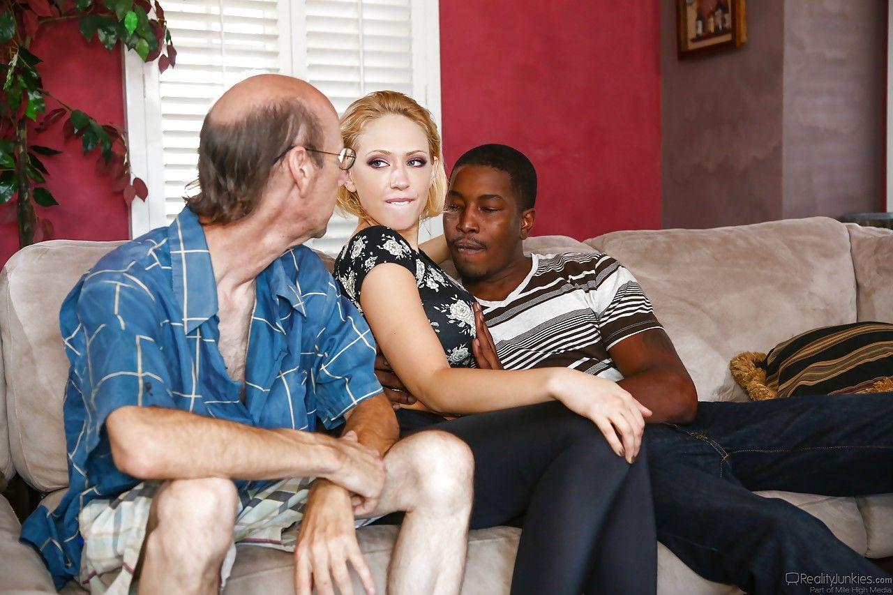 Blonde Ehefrau Cuckold Bbc
