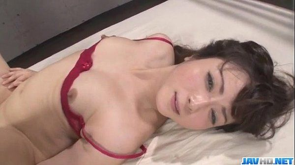 Serious threesome along babe in red lingerie Mizuki Ogawa