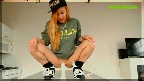Hot Webcam Asian Teen Rides Her Dildo