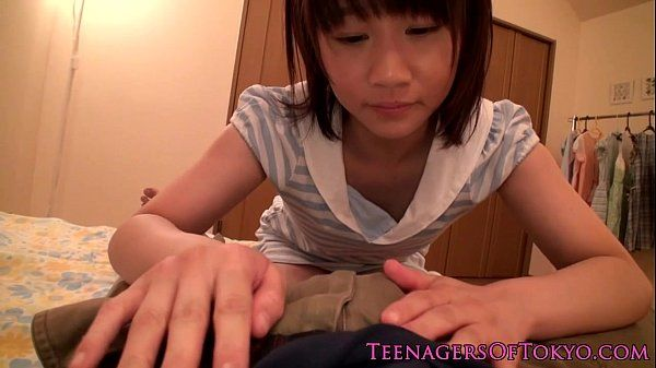 Japanese teen schoolgirl gargling some cum HD