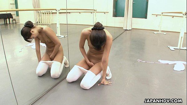 Asian ballerina has an itch she has to rub HD