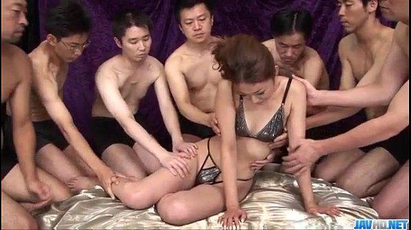 Sakura Hirota enjoys horny men to smash her pussy