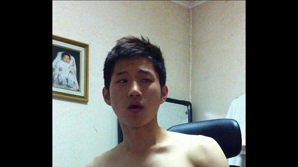 korean guy sucking