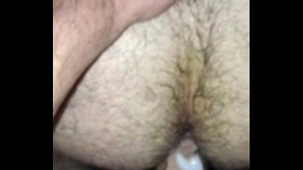 gozando no cu do peludo