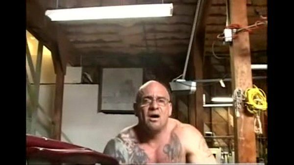 Mature Mechanic Fucked By Athletic Twink In Garage