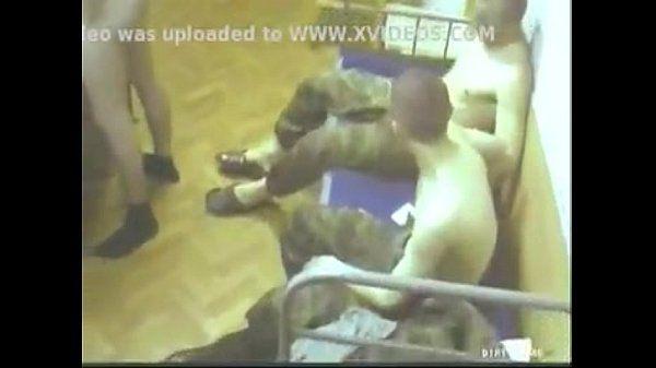 Soldados rusos hacen orgía