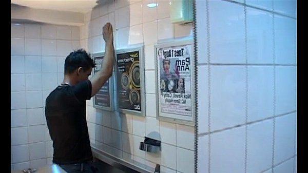 sexy emigrant slutboy gets fucked in pub toilet