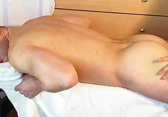 romain a real straight guy get wanked his huge cock by a guy !