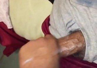 Hetero masturbando o amigoStraight masturbating friend