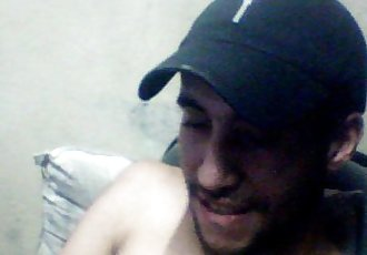 BOY MOSTRANDO O PAU