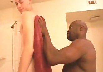 Black Daddy fucks White Boy