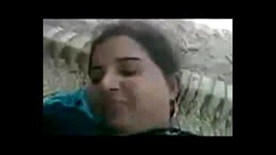 VILLAGE MAMI WITH VAGINAA IN FIELD - 8 min