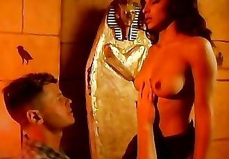 Arabian Girl hunts for Big Western Cock in Pyramids hates Small Arab Dicks