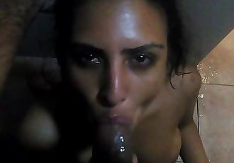 Indian Arab gf deepthroats BBC in shower