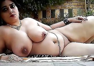 Desi wife getting naked for boyfriend 61 sec