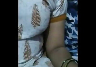 Desi Saree Bhabi Showing Boobs in the Camera