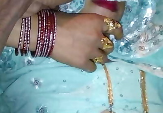 Desi Married Bhabhi Fuck in Wedroom