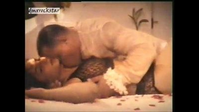 actress another hot scene from movie mere aagosh me - 58 sec