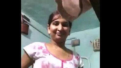 Indian Bhabhi Bathing Desi Beauty Shower - 1 min 33 sec
