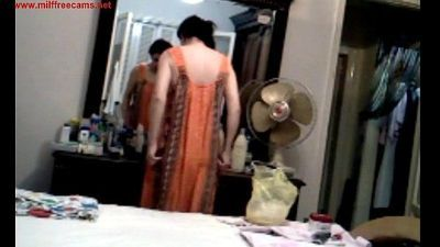 Un-aware aunty flashing for cam- - 57 sec