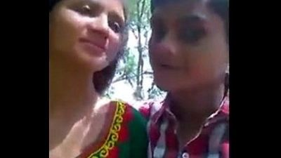 Kolkata-collage-girl-kissing-boob-pressing-pussy-finguring-in-park-mms-video - 2 min