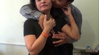 Boss Romance With Sexy Bhabhi - HotShortFilms.com - 2 min