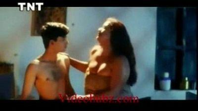 Shakeela Mallu seducing young boy - 3 min
