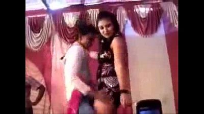 Hot and sexy indian Village bhojpuri dance - 4 min
