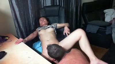 Maid spread her legs for licking nonstop - 7 min