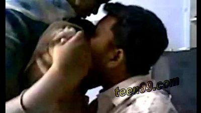 Indian bf sucking his desi girlfriends boobs - teen99.com - 5 min