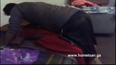 Desi guy fucking his maid - 7 min