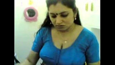 Desi mallu KERALA WHITE CHECHI sexy aunty - 6 min