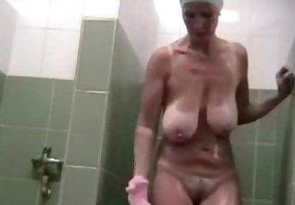 Mature big natural saggy tits spycam shower - 2 min