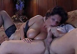 Granny-BBW Mature - Joy Karins - anal -FR - 7 min