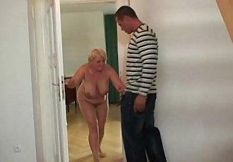 Masturbating old bag gets busted and screwed - 6 min
