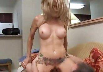Tattood MILF loves the taste of cum