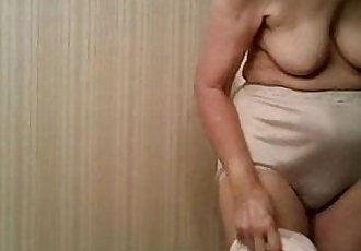 Spying my 77 years old granny.  Great view ! - 41 sec