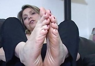 Mature chick foot masturbation instructions - 7 min