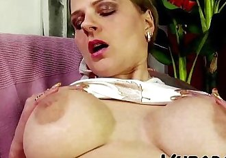 HE FUCKS HOT MILF ON COUCH !!HD